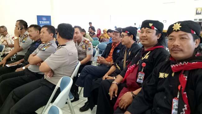 Dewan Lembaga Pelestari Adat dan Budaya Majapahit, Hadiri Seminar dan Lokakarya Nasional
