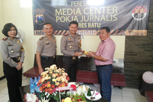 Polres Batu Sediakan Media Center