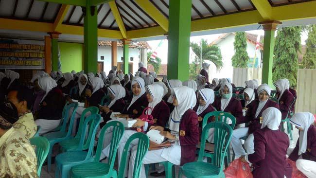 Bati Komsos Koramil 081513 Hadiri Penutupan Praktek Kebidanan Mahasiswa STIKES Bina Sehat PPNI