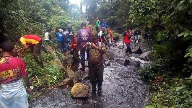 Cegah Banjir, Ini Yang Dilakukan Koramil Pacet Bersama Instansi Terkait