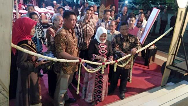 Dandim 0815 Mojokerto Hadiri Pembukaan Pameran Seni Rupa Gelar Majakarta II 2017