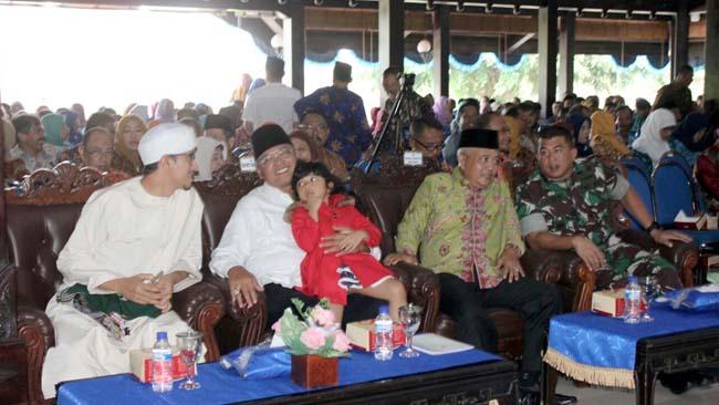 Dandim 0818 Hadiri Maulid Nabi Bersama Keluarga Besar Pemkab Malang