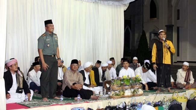 Lebih Dekatkan Bersama Ulama, Dandim 0818 Hadiri Maulid Nabi di Ponpes Az-Zainy Tumpang