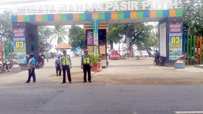 Liburan Tiba, Polisi Imbau Pengunjung di Objek Wisata Bahari Pantai Pasir Putih Situbondo