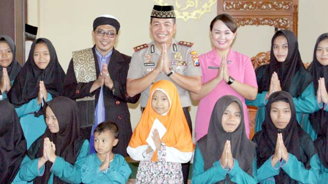 Awali Tahun 2018, Kapolres Mojokerto Panjatkan Do'a dan Istighosah bersama Anak Yatim Piatu
