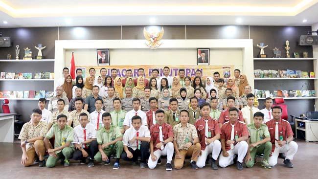 Kapolres Batu Tutup Binlat Pelajar Berprestasi KWB Polres Batu