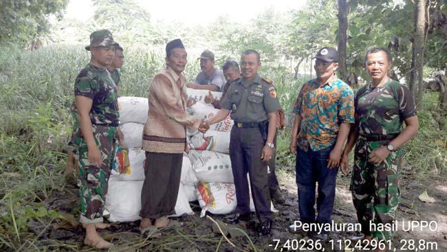 Pupuk Organik - Biogas Produk UPPO Kodim 0815 Mojokerto Disalurkan Untuk Poktan