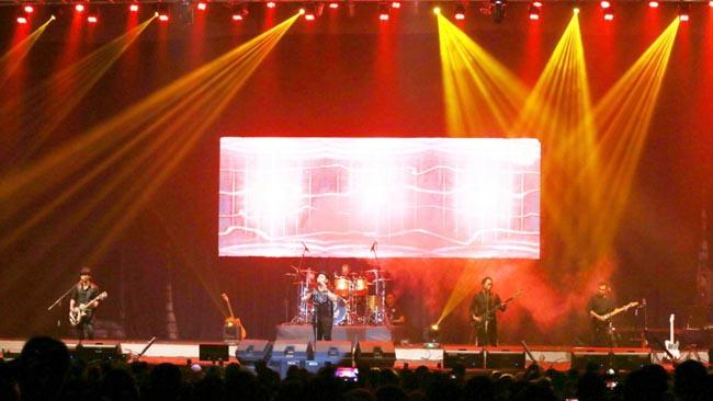 Konser Amal Padi Reborn dan Anji, Puaskan Sobat Padi Malang