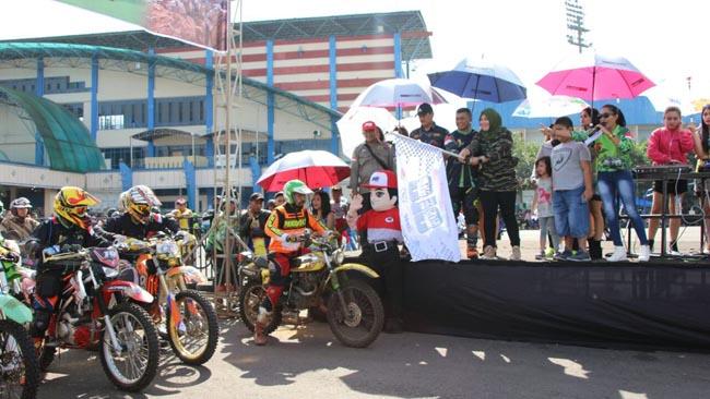 Ketua Persit KCK Cabang XXXII Kodim 0818 Koorcab Rem 083