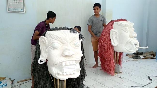 Pembuatan ogoh ogoh di desa sukorno kecamatan Umbulsari jember sudah 80 persen