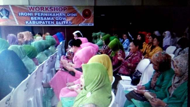 Cegah Pernikahan Dini, DPPKBP3A GOW  Blitar Gencar Gelar Workshop