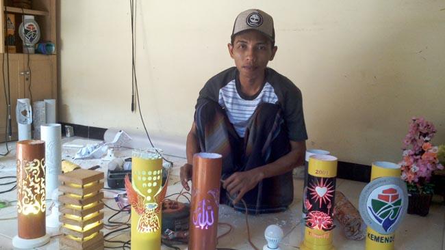 Kreatif, Pemuda Asal Balun Sulap Pipa Air Jadi Lampu Hias Menarik
