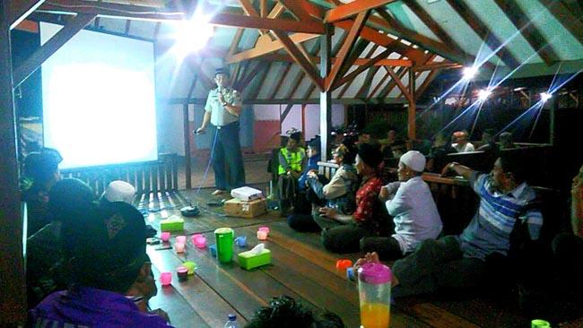 Polsek Jabon Gelar Cangkrukan Bersama Warga Tambak Kalisogo