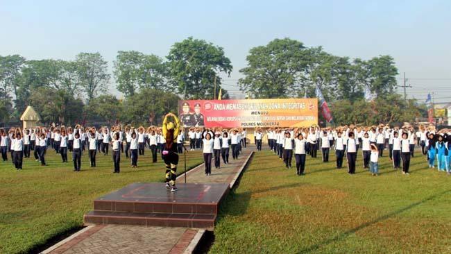 Promosi Rumah Murah, Kapolres Mojokerto Olahraga Bersama BRI