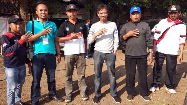 Mantan Bupati Amin Said Husni Jalan Bareng Seluruh Perangkat Desa