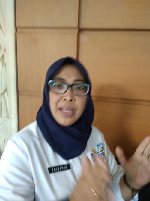 JELASKAN :Tridiyah Maestuti Kepala Inspektorat Kabupaten Malang. (dok)