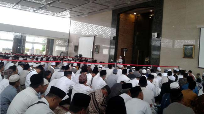 Hadirkan KH Arifin Ilham, Polres Lamongan peringati Maulid Nabi SAW