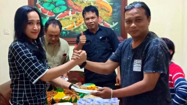 May's Pro Event Organizer, Tampil Profesional