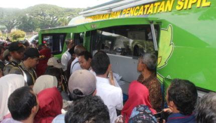 Ratusan Warga Serbu Layanan e-KTP di Pasar Kreatif Malang