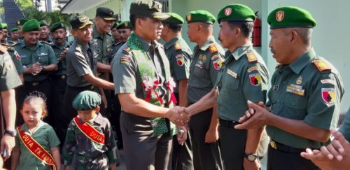 KUNKER :Danrem 083/ BDJ Kolonel Inf Bagus Suryadi Tayo saat melaksanakan Kunker di Kodim 0820 Probolinggo