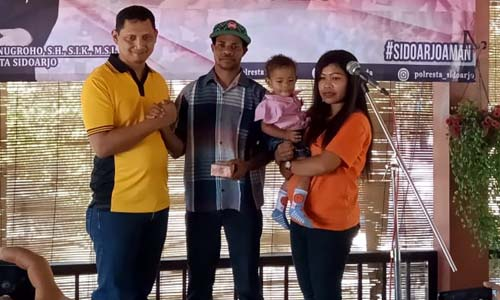 MANCING - Mancing Bareng Kapolresta Sidoarjo dan jajaran bersama wartawan Sidoarjo di Mega Prima Fishing, Desa Kalanganyar, Kecamatan Sedati, Sidoarjo dibanjiri doorprize, Sabtu (24/8/2019)