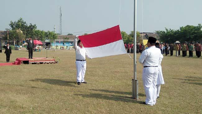 Upacara peringatan detik- detik Proklamasi oleh PCTA- Indonesia Cabang Sidoarjo. (par)