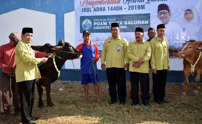PDAM Tirta Baluran Situbondo Bagi 500 Kupon Daging Kurban
