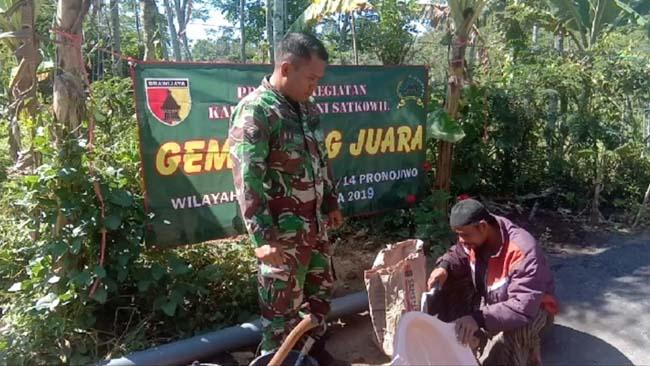 Kapten Inf Ainur Rofiq Imbau Masyarakat Supit Urang Pronojiwo Budayakan Hidup Sehat